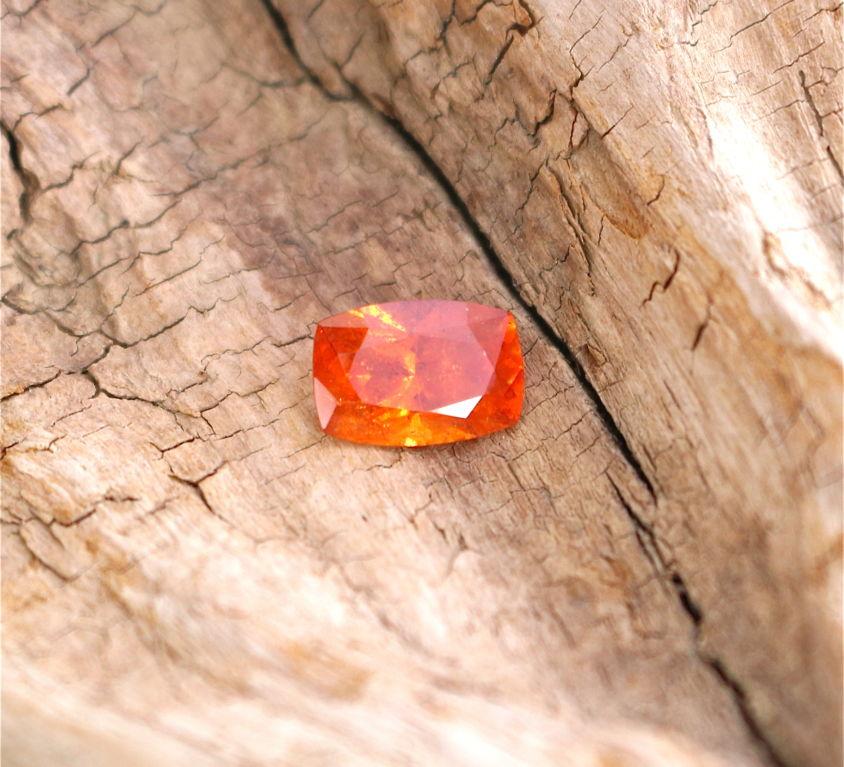Grenat mandarin 3,11ct CHF 320